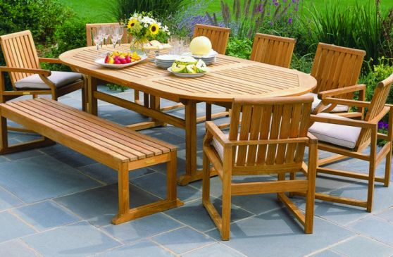 Why Teak is the Best Wood for Outdoor Furniture
